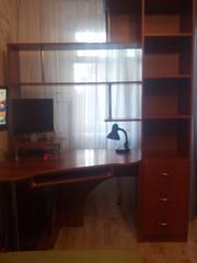 Удобный Компьютерный стол (уголок школьника)